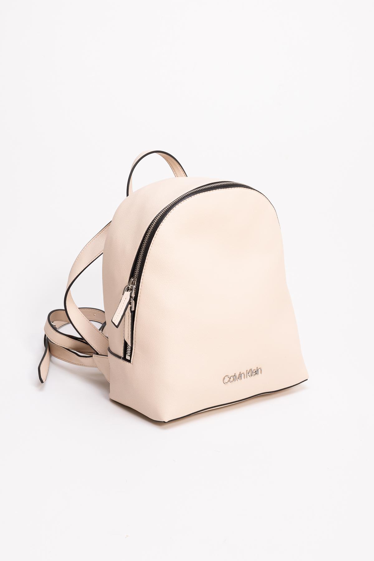 Calvin Klein Kadın Sırt Çanta